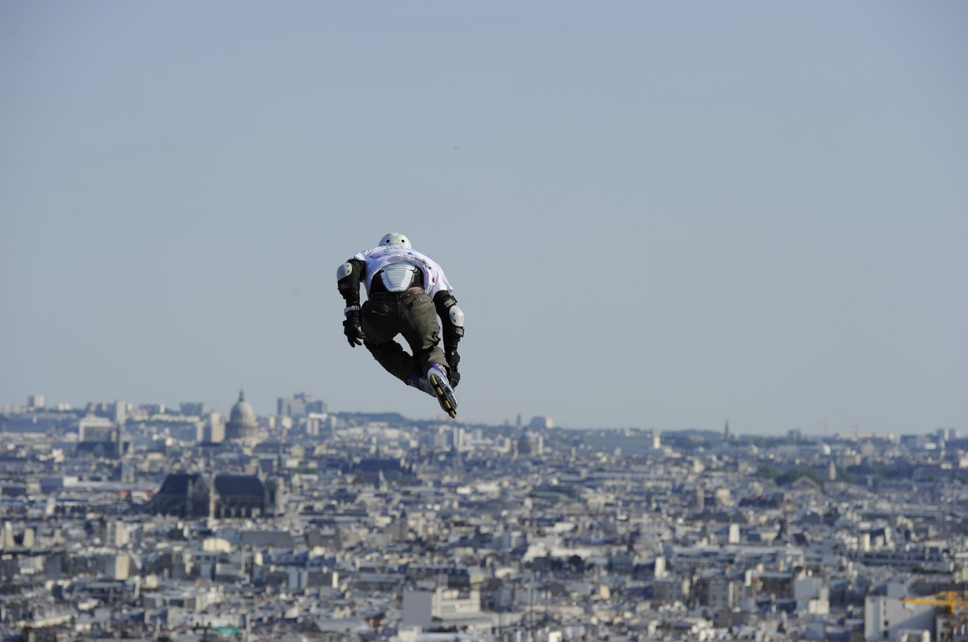 ta g khris record du monde de saut en longeur au sacr coeur paris. Black Bedroom Furniture Sets. Home Design Ideas
