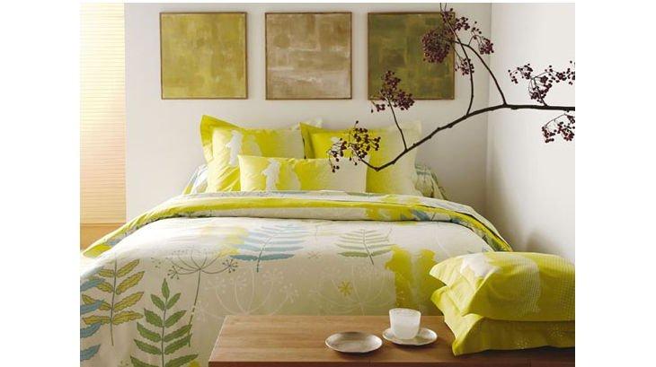 le linge de lit blanc des vosges et anne de sol ne. Black Bedroom Furniture Sets. Home Design Ideas