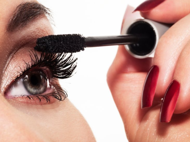 Maquillage : le mascara à travers le temps