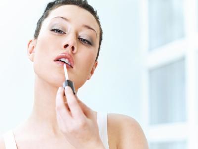 Soin et maquillage pour avoir de belles lèvres