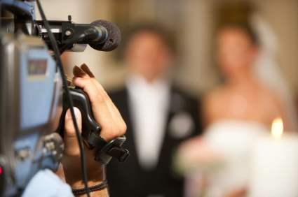 Mariage sur le thème du cinéma : concevez vos faire-part comme des affiches de films